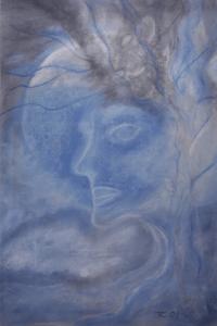 Ein Frauenkopf, aus einem Baum herausblickend.